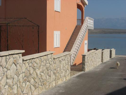 Kuća sa ulice prema moru 2