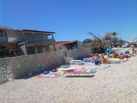 Plaža ispred kuće